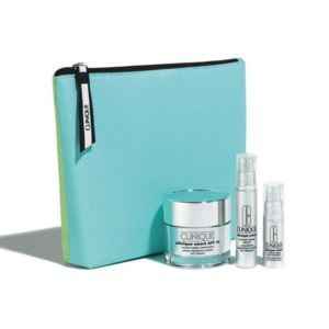 Estuche Clinique Smart Broad Espectrum Hidratante 50 ml + Serum Reparador Custom - Repair 10 ml + Contorno de Ojos Smart Custom-Repair 5 ml + Neceser