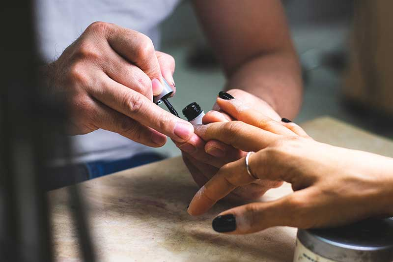 Los esmaltes uñas de moda de este otoño